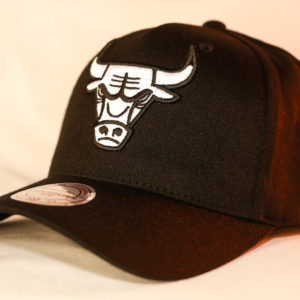 af6d9d4bc37 Mitchell   Ness Flexfit 110 Black   White Logo Snapback Chicago Bulls