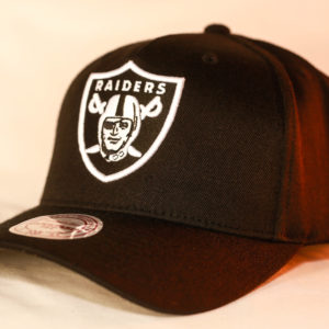 Mitchell & Ness OSFA NFL Oakland Raiders Black & White Flexfit 110 Snapback