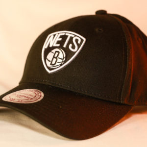 Mitchell & Ness OSFA NBA Brooklyn Nets Black & White Flexfit 110 Logo Low Pro Snapback