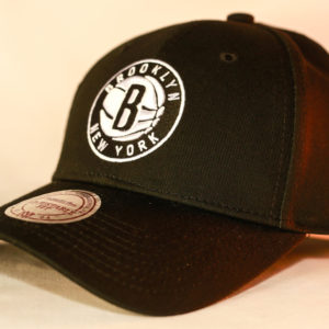 Mitchell & Ness OSFA NBA Brooklyn Nets Black Flexfit 110 Core Low Pro Snapback
