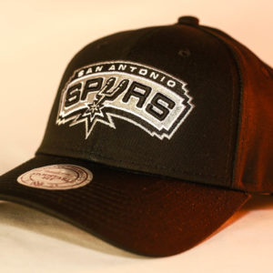 Mitchell & Ness OSFA NBA San Antonio Spurs Black Flexfit 110 Core Low Pro Snapback
