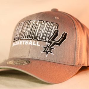 Mitchell & Ness OSFA NBA San Antonio Spurs Grey Flexfit 110 Score Keeper Snapback