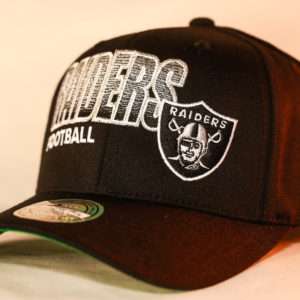 Mitchell & Ness OSFA NFL Oakland Raiders Black Flexfit 110 Score Keeper Snapback