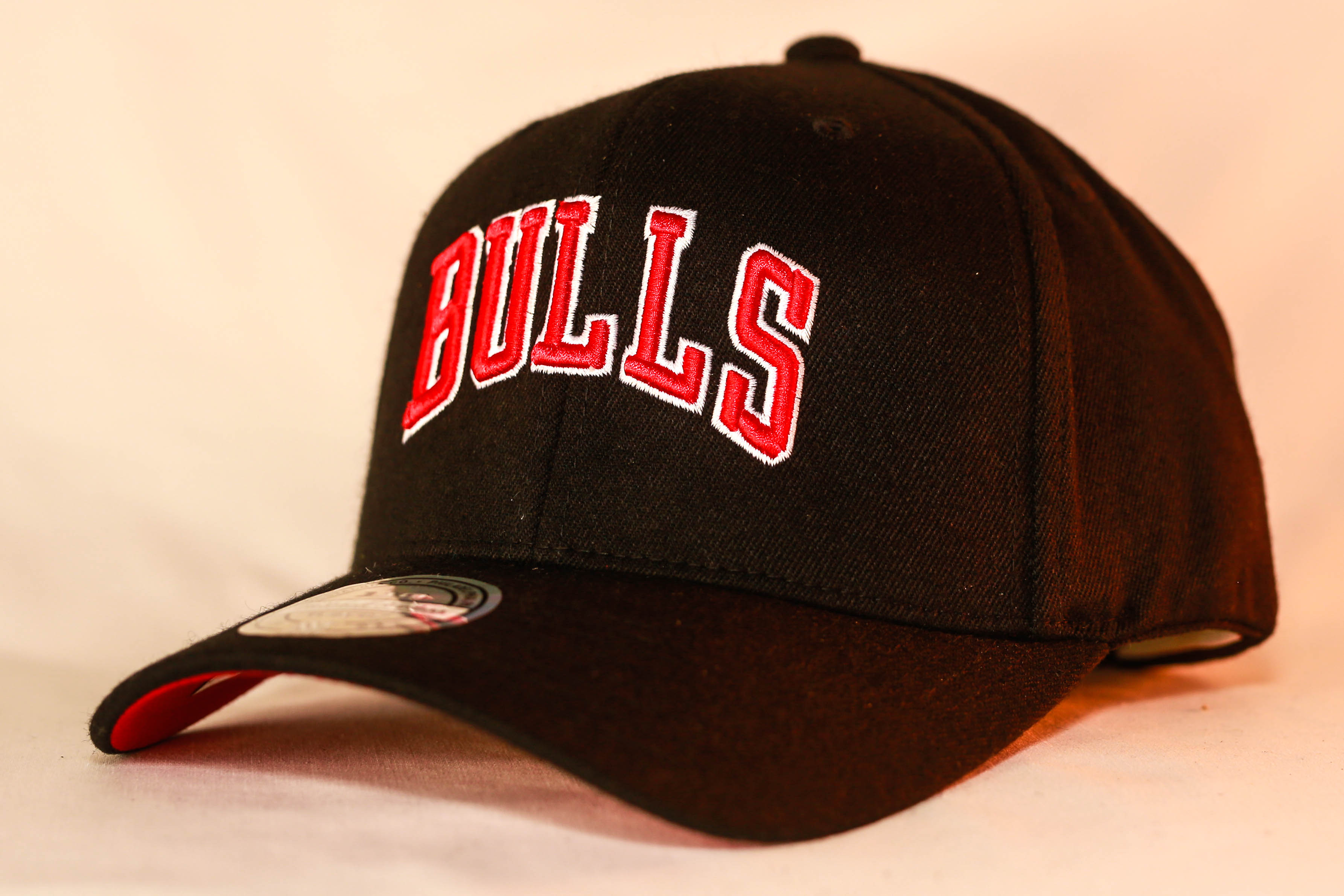 d0981e3cd8e Mitchell   Ness Courtside 2 Snapback Chicago Bulls Men s   Women s ...