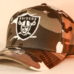 Mitchell & Ness OSFA NFL Oakland Raiders Camo Flexfit 110 Pinch Panel Snapback