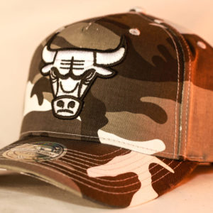 Mitchell & Ness OSFA NBA Chicago Bulls Camo Flexfit 110 Pinch Panel Snapback