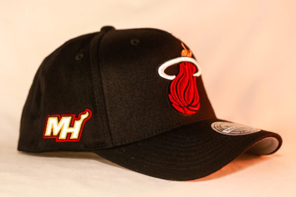 Mitchell & Ness OSFA NBA Miami Heat Black Flexfit 110 Snapback