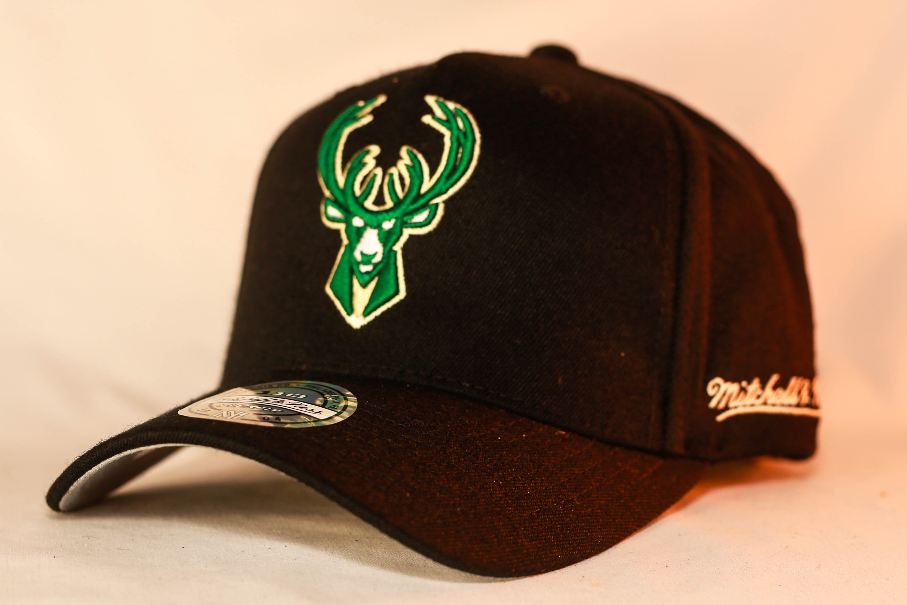 san francisco 5e690 c7b60 ... release date mitchell ness osfa nba milwaukee bucks black flexfit 110  snapback 117a5 2b31c