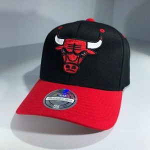 Mitchell & Ness Flexfit 110 NBA Chicago Bulls Team Logo 2 Tone Snapback OSFA