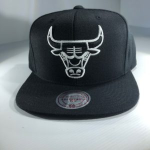 Mitchell & Ness NBA Chicago Bulls All Black Logo High Crown Snapback OSFA