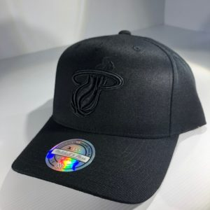 Mitchell & Ness Flexfit 110 NBA New Miami Heat All Black Logo Snapback OSFA