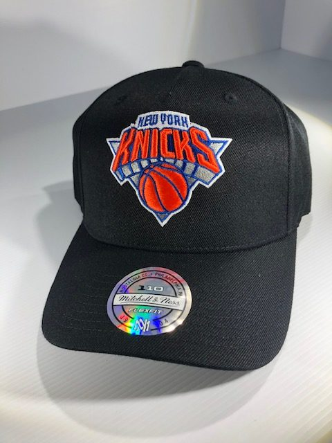 Mitchell & Ness Flexfit 110 NBA New York Knicks The Black/Team Colour Logo Snapback OSFA