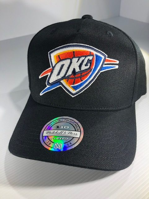 Mitchell & Ness Flexfit 110 NBA Oklahoma City Thunder The Black/Team Colour Logo Snapback OSFA