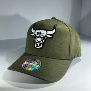 Mitchell & Ness Flexfit 110 NBA Chicago Bulls Olive Logo Snapback OSFA