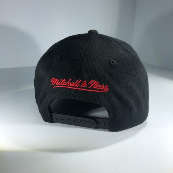 Mitchell & Ness Flexfit 110 NFL Throwback Black/Team Colour Logo Snapback OSFA
